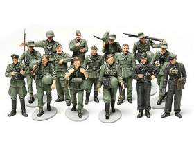 German Infantry on Maneuvers 1:48 | Tamiya 32530