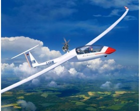Glider Duo Discus & Engine 1:32 | Revell 03961