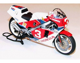 Honda NSR500 Factory Color 1:12 | Tamiya 14099